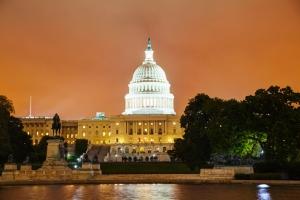 united-states-capitol-building-in-washington-night